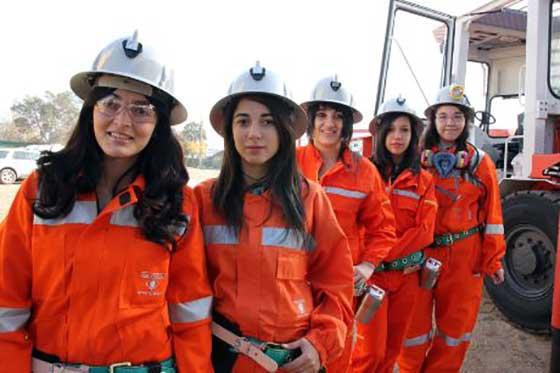 estudiantes de carreras mineras se re250nen en santiago
